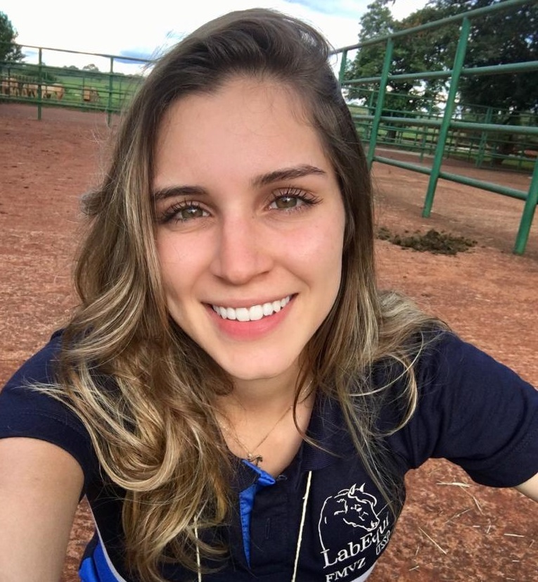 Letícia Simões